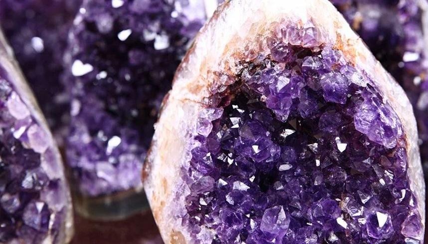 Lithothérapie : les pierres et les contrefaçons
