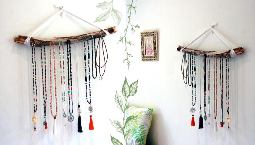 Fabriquer un présentoir à colliers en un tour de main